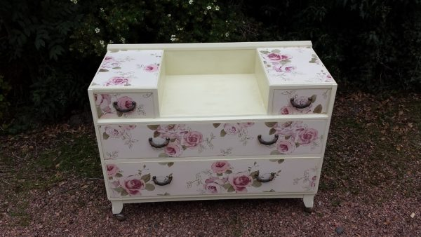 castle-chest-of-drawers-001