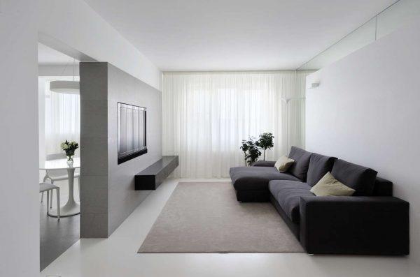 svetlyj-interer-gostinoj-v-stile-minimalizm