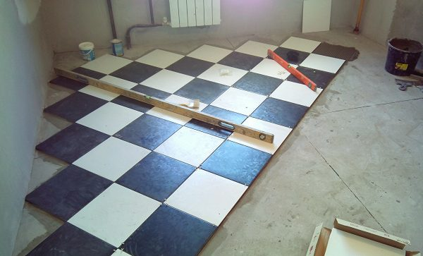 ukladka-plitki-tonkosti-processa-136
