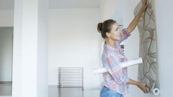 Как правильно и быстро удалить старые обои со стен без следов?