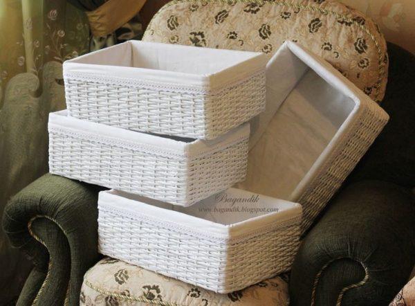 c34562ac6b9da4daa27f6b6ffe0f9122-newspaper-basket-woven-baskets