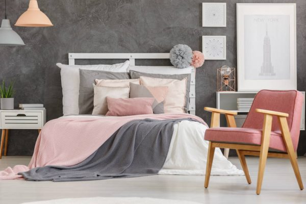grey-pink-bedroom