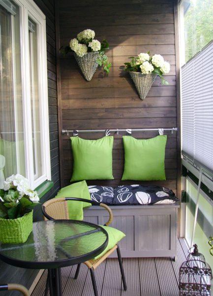 idei-dizajna-otdelki-balkona-2