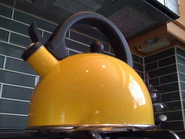 Как отмыть чайник до блеска, всего за 10 минут?