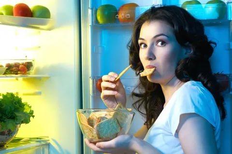 Кушаем на ночь только правильные продукты