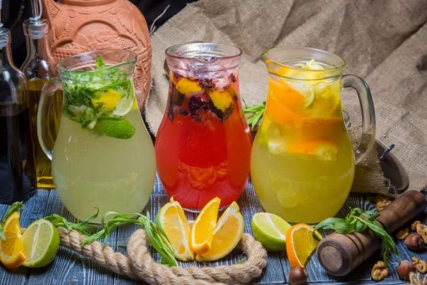 Летние и полезные: какие напитки готовить дома, чтобы укрепить здоровье